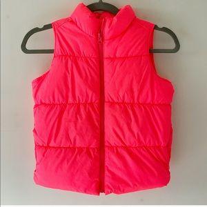 girls Old Navy bright pink puffer vest